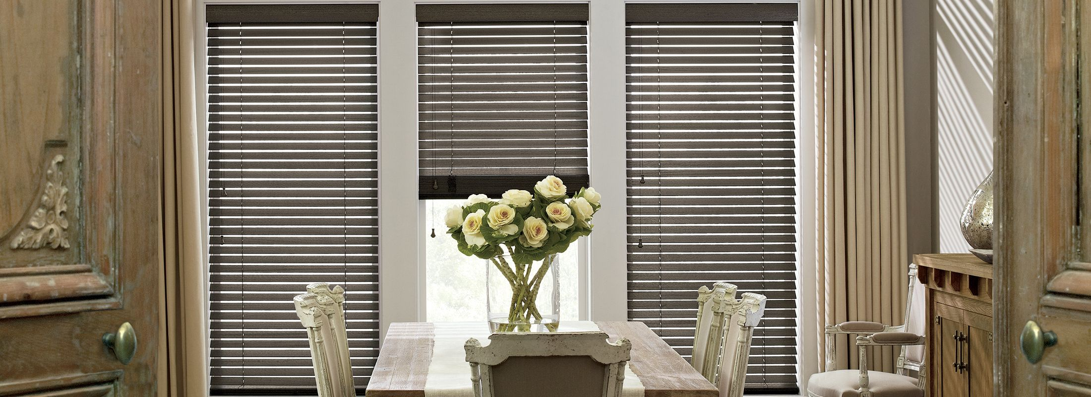 Wooden blinds in Wirebrushed Basswood Flint Gray - Parkland